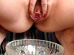 Hot pissing babes